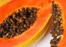 Papaya-och-dess-fördelar-för-huden