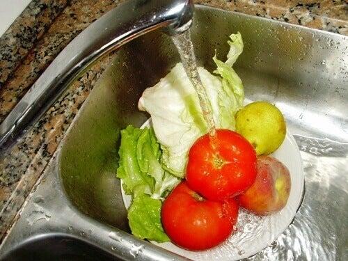 Tvätta-grönsaker