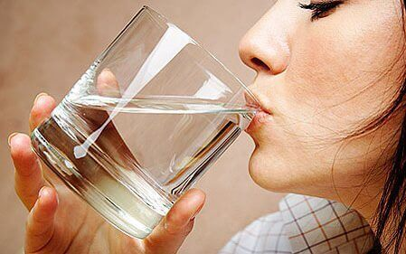 Drick mer vatten och minska uppsvälldhet