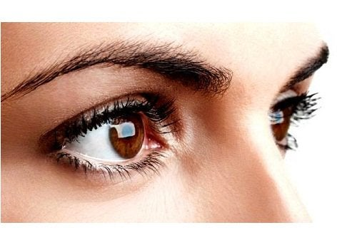 hur ofta tappar man ögonfransar