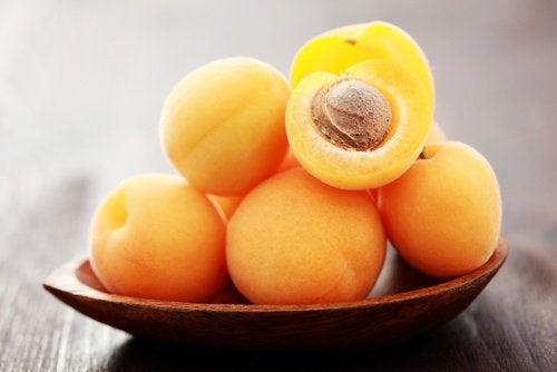 Ät måttliga mängder av aprikos