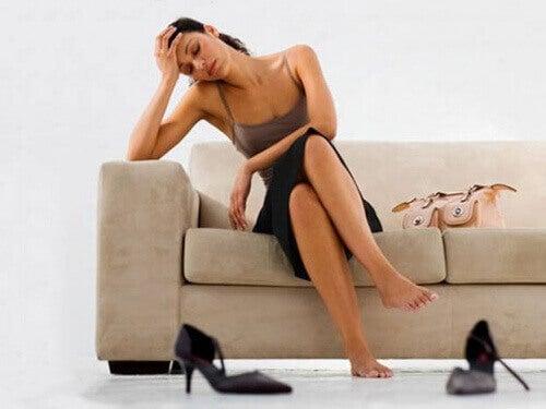 symtom på blåsljud inkluderar trötthet