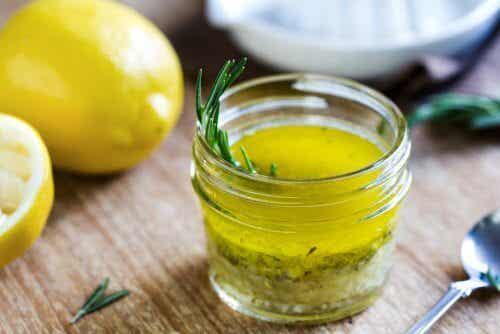 Rena och återuppliva levern med citron och olivolja