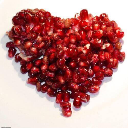 Hjärta med granatäpplen