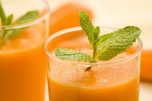 Äppel- och morotsjuice