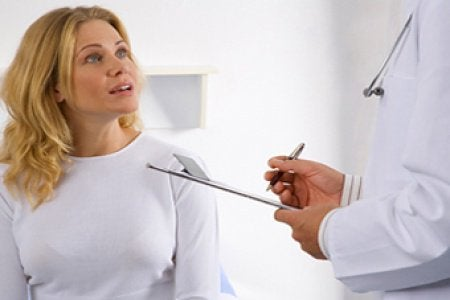 Kvinna hos doktorn
