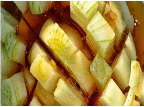 Snabb lindring av hosta med honung och lök