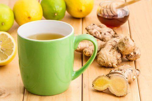 Sirap med ingefära, kanel och honung