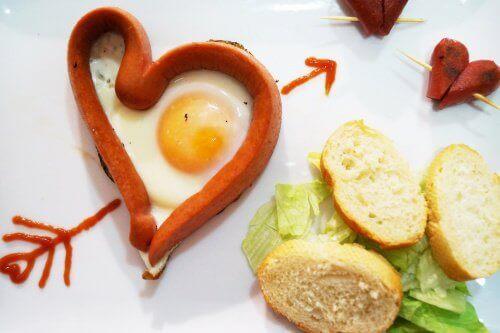 Ägg- och korvhjärta