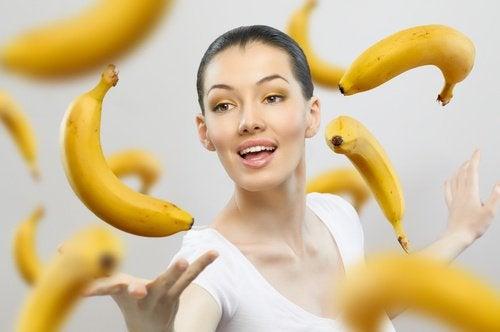 Kvinna med bananer