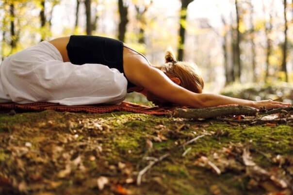 Hiatusbråck innebär en förskjutning av magsäcken