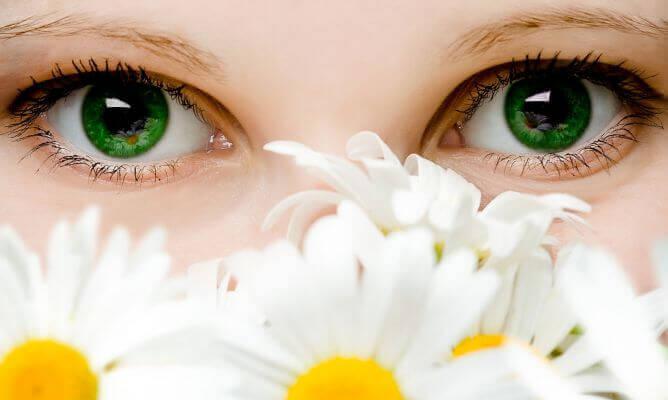 Skinande ögon