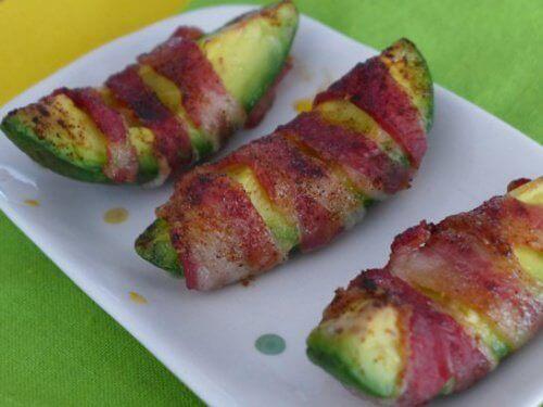 Avokado-med-bacon
