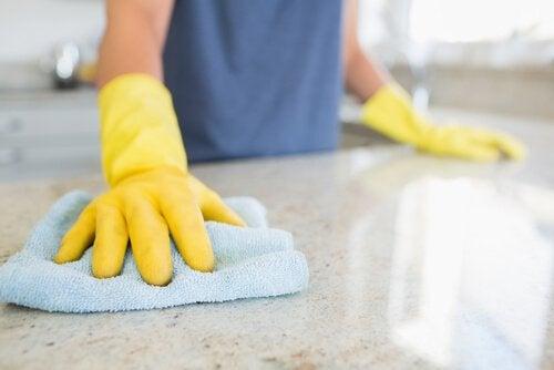 Städa effektivt med våra rengöringstips!