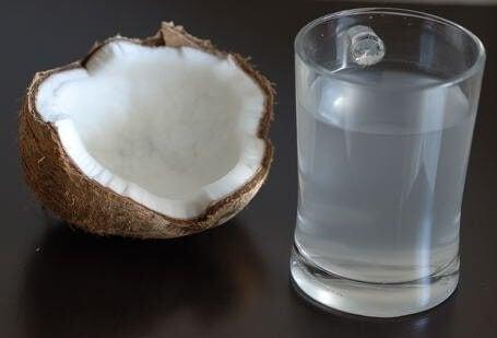 Din kropp och kokosnötsvatten