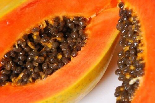 Det finns många fördelar med att äta papaya