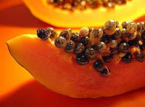 Fördelar med att äta papaya och papayafrön