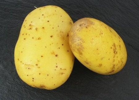 Få bort påsar under ögonen med potatis