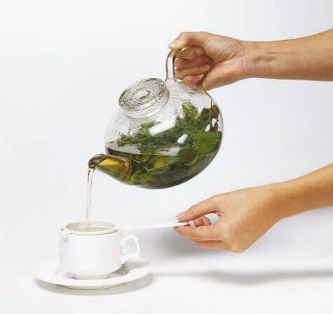 Drick olika teer för att underlätta viktnedgång