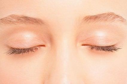 ansiktsövningar för ögonen
