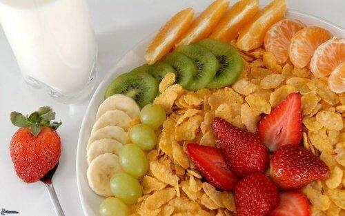 Fördelarna med att äta frukt till frukost