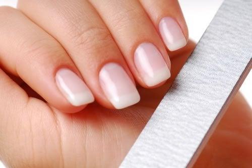 Några enkla råd för att få starka naglar