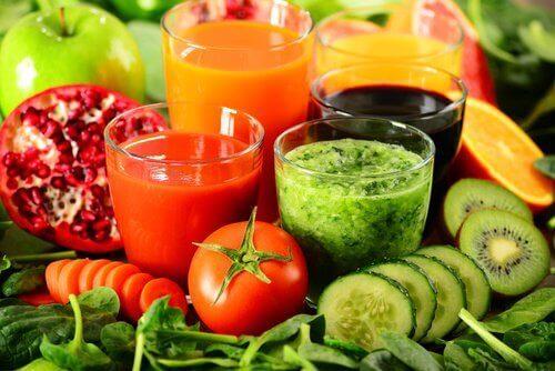 Tappa vikt med dessa avgiftande drycker