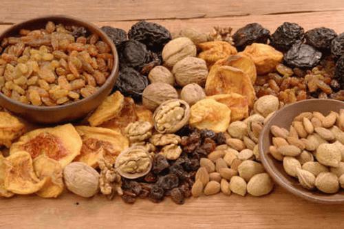 Nötter-och-torkad-frukt