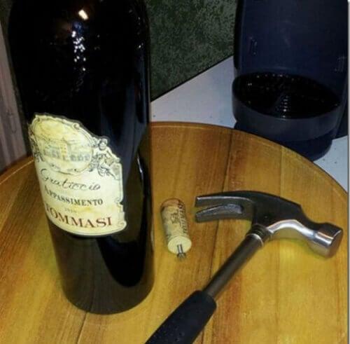Uppkorkat vin