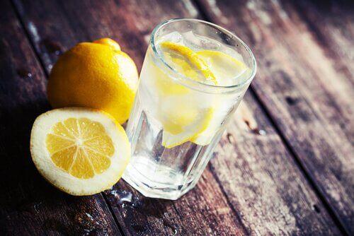 Citrusvatten förbättrar matsmältningen