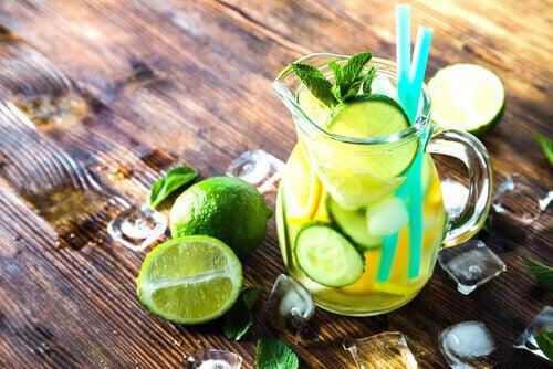 Detoxvatten med lime