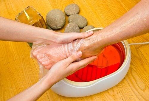 Paraffinbehandling för fötterna