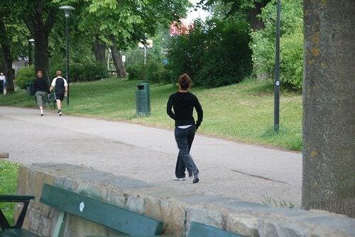 gå ner i vikt genom promenader