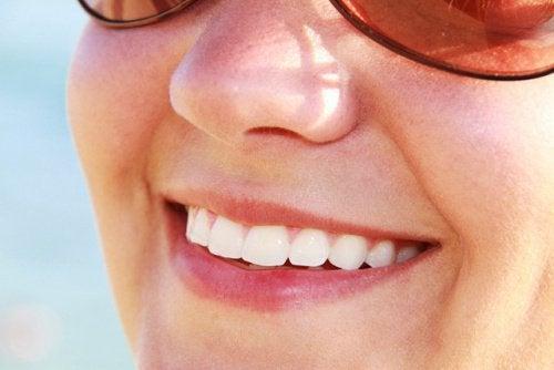 gör dina tänder gula