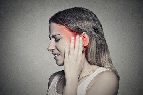 Vad orsakar ringningar i öronen? Behandla det naturligt!