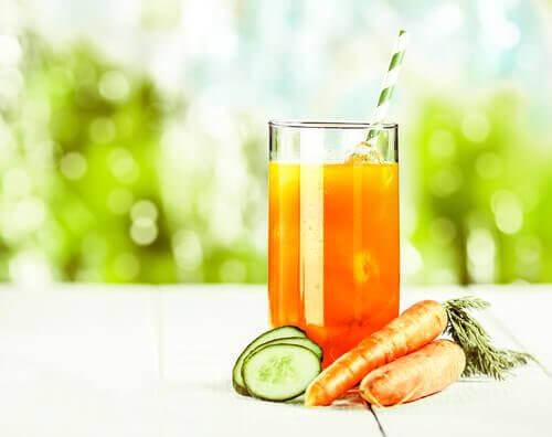 Morots-gurkjuice