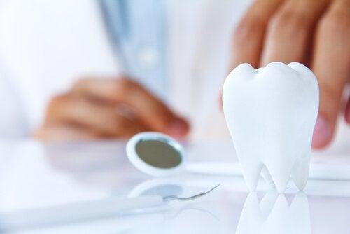 Det finns sjukdomar som kan orsaka tandlossning