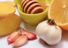 Honung, vitlök och citrus