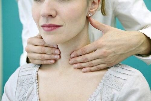 Undersökning av halsen