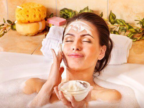 Använd bikarbonat för huden