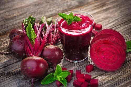 Okända fördelar med att dricka rödbetsjuice