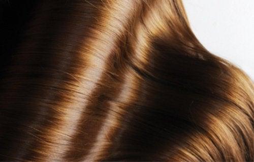 Skinande-hår