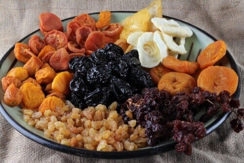 Torkad frukt stärker ben & bekämpar trötthet
