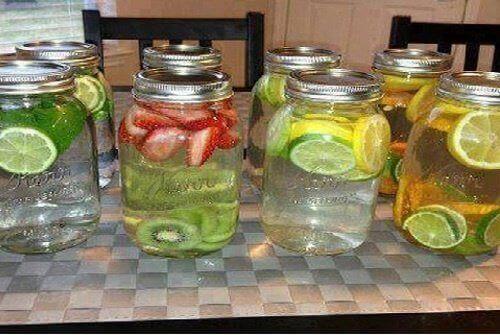 Smaksatta vatten