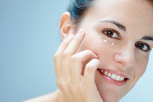 Ögonkräm minskar rynkor
