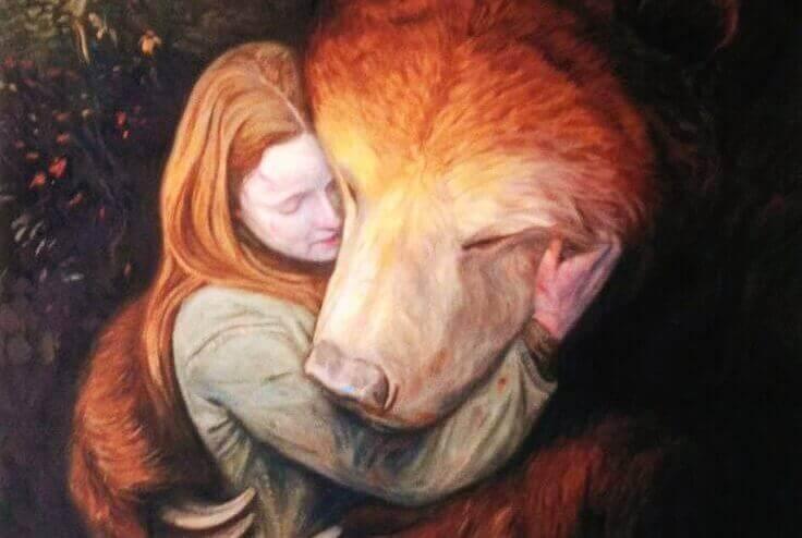 Kvinna-kramar-björn
