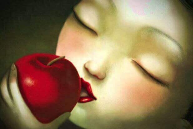 Kvinna-med-äpple