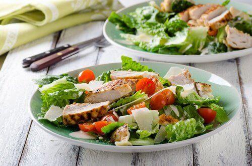 Ät flera små portioner om dagen för att höja ämnesomsättningen