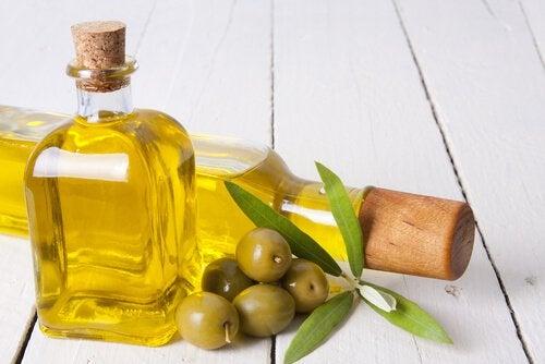 Konsumera olivolja för viktnedgång