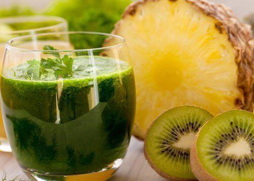 2-ananas-och-kiwi-juice